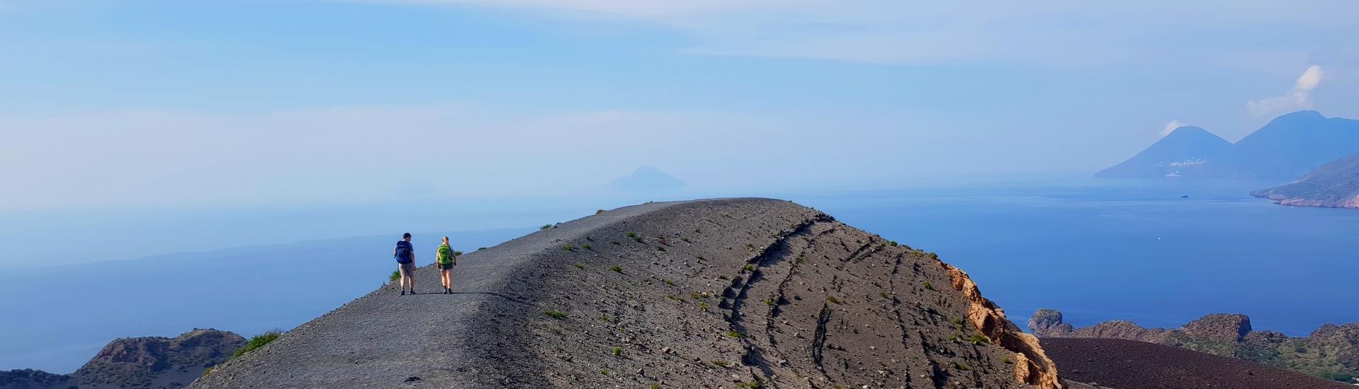 Etna i Wyspy Liparyjskie - kraina wulkanów