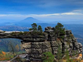 Szumawa i czeskie skalne miasta
