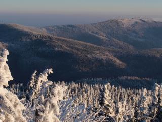 Weekend w górach: zimowe przygody z górami i gitarami