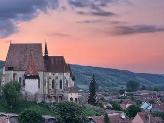 Transylwania - warowne zamki i malowane cerkwie